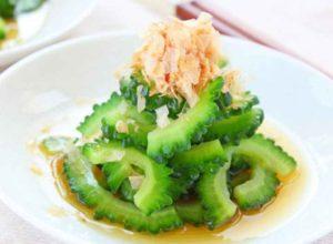 Салат из плода момордики