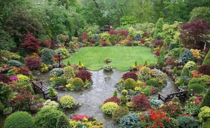 Вид цветника - натуралистичный