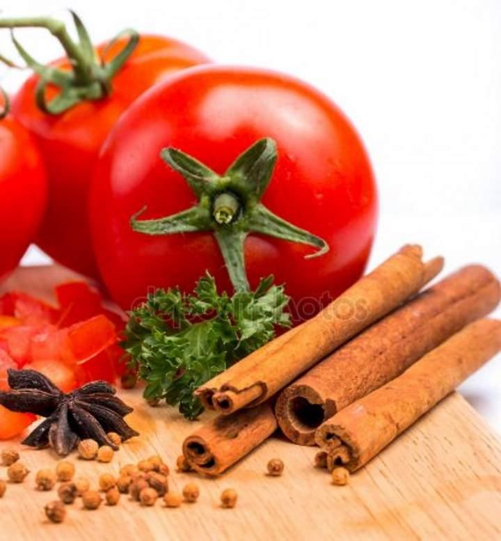 Солим помидоры с корицей