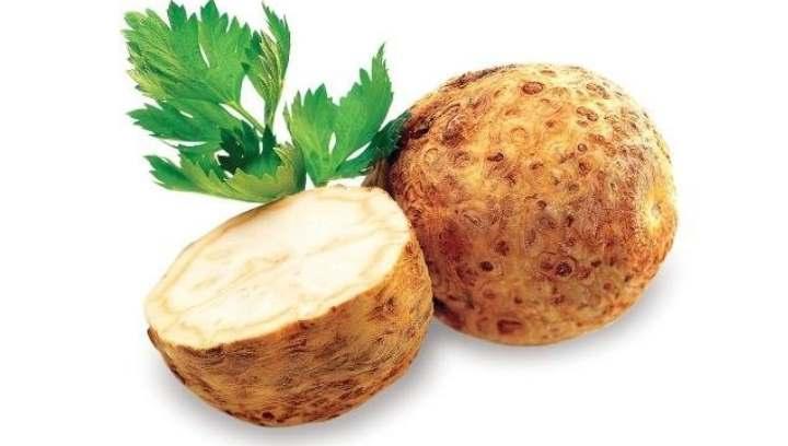 Плод и корня сельдерея