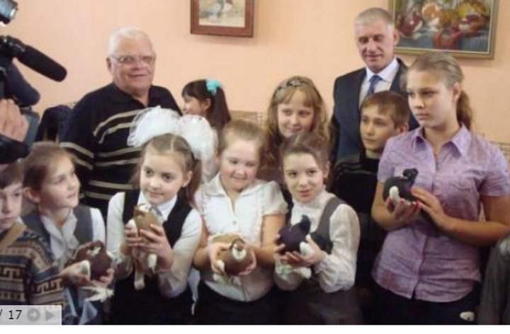 Дети и голуби на Алтае