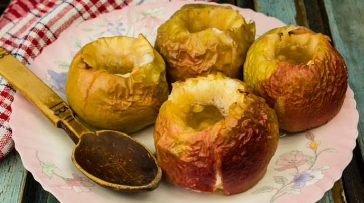 При транспортировке фруктов, их обрабатывают воском