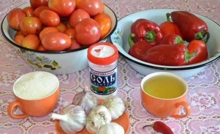 Три килограмма зрелых томатов;